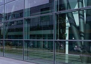 Lösungen für Glas- und Systemfassaden