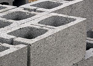 Montáž okna na betonové tvárnice